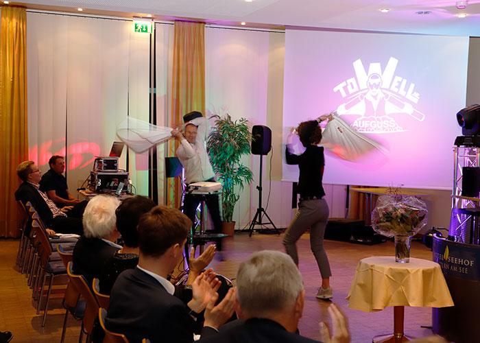 Aufguss-Weltmeister Rob Keijzer und seine Show-Partnerin