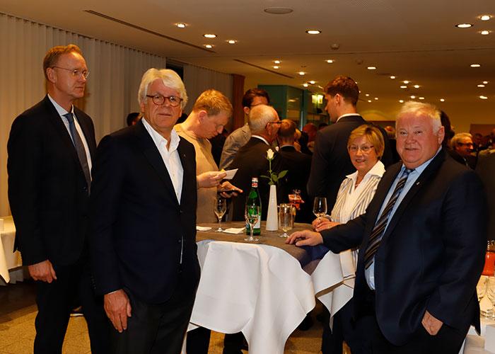 Ein Vertreter der IHK, Prof. Dr. Bontrup und ein Vertreter der Handwerkskammer mit Gemahlin