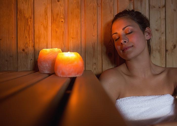Sauna bei Kerzenlicht genießen