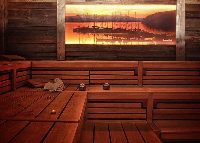 Hinterleuchtetes Bild Sauna