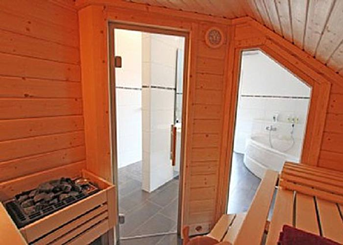 Müther Sauna in Dachschräge