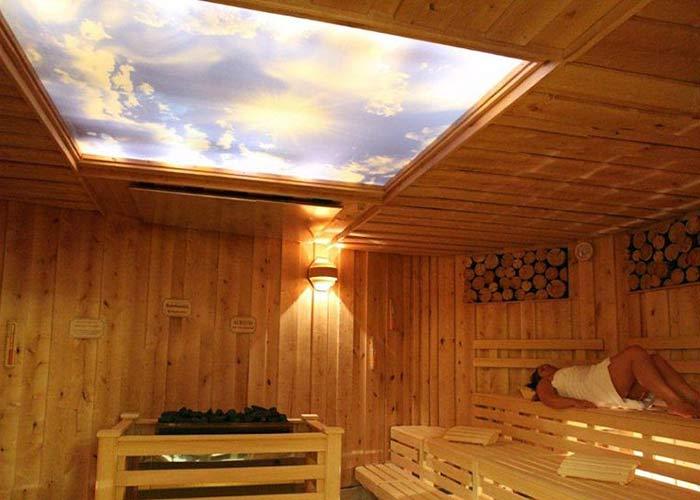 otlantisbad-oldenburg-sauna-mit-panoramadach